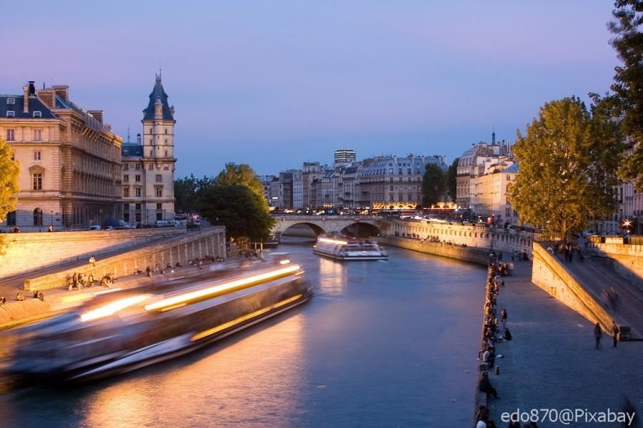 Paris autofreies Seineufer